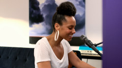 Underdog (iHeart Acoustic Video) - Alicia Keys
