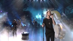 Demons & Radioactive (American Music Awards 2013) - Imagine Dragons