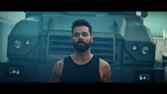 Tiburones (Official Video) - Ricky Martin