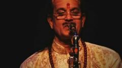 Raga Saurashtra (Meluko) (Pseudo Video) - Kadri Gopalnath