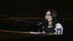 Sakura iro (live in Budokan) - Angela Aki