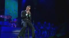 Me & Mrs. Jones (Live At Madison Square Garden) - Michael Bublé