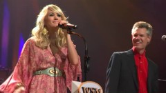 Is It Still Over (Live At The Grand Ole Opry) - Randy Travis, Carrie Underwood