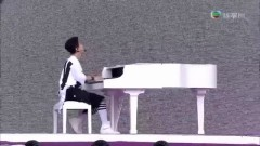 Intro & Trap & Talk & 1-4-3 (I Love You) (140701 Hong Kong Dome Festival) - Henry