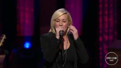 Walking After Midnight (Live At The Grand Ole Opry)