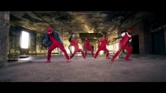 Bounce Whip (Whip Dance)