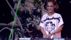 Quỷ Quyệt (Live Hòa Âm Ánh Sáng 2016) - DJ King Lady