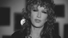 Il peso del coraggio (Official Video) - Fiorella Mannoia
