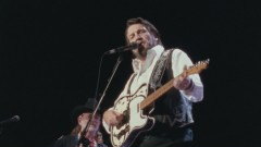Mammas Don't Let Your Babies Grow Up to Be Cowboys (American Outlaws: Live at Nassau Coliseum, 1990) - The Highwaymen