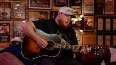 When It Rains It Pours (Live Acoustic) - Luke Combs
