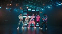 Beso (Official Video) - CNCO