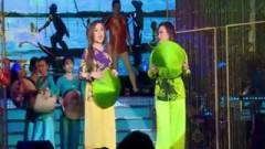 Mời Anh Về Thăm Quê Em (Liveshow Châu Ngọc Tiên) - Châu Ngọc Tiên, Châu  Ngọc Linh