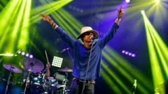 God's Whisper (Radio 1's Big Weekend 2015) - Raury