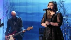 Invincible (Live At The Ellen Show) - Kelly Clarkson