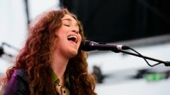 Sweet Dreams (Live From The Quay) - Rae Morris