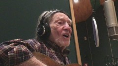 It's Hard to Be Humble (Official Music Video) - Willie Nelson