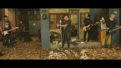 Incendíemonos (Official Video) - La Beriso