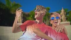 Cintura Con Cintura (Official Video) - Adexe & Nau