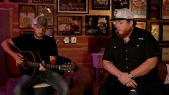 Does To Me (Live Acoustic) - Luke Combs