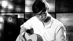 Yếu Đuối (Live Acoustic Guitar In Studio) - Hoàng Dũng