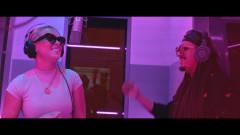 Cerquita de Mí (Remix - Official Lyric Video) - Patrick Romantik, Leslie Shaw