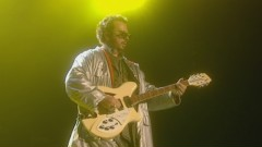 Thorn in My Side (Peacetour Live) - Eurythmics