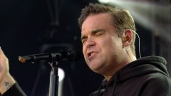 Angels (One Love Manchester) - Robbie Williams