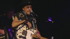 The Weight (Never Say Die: The Final Concert Film, Nashville, Jan. '00) - Waylon Jennings, The Waymore Blues Band