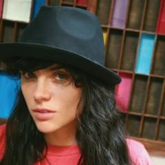 Leona Naess