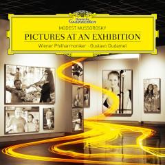 Mussorgsky: Pictures At An Exhibition - Wiener Philharmoniker, Gustavo Dudamel