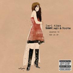 Legs and Boots: Houston, TX - November 25, 2007 - Tori Amos