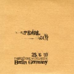 2000.06.25 - Berlin, Germany (Live) - Pearl Jam