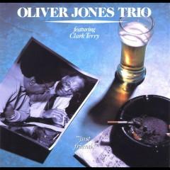 Just Friends (feat. Clark Terry) - Oliver Jones, Clark Terry