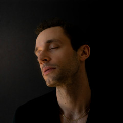 piano - Wrabel