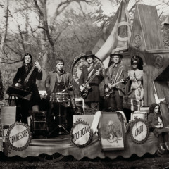 Consolers of the Lonely - The Raconteurs