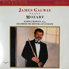 James Galway - Plays Mozart - James Galway,Marisa Robles,Chamber Orchestra Of Europe