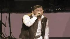 Los Amigos Del M (En Vivo Nokia Theater Los Angeles 2010) - Roberto Tapia