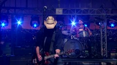 Dust (Live At David Letterman) - Eli Young Band