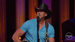 Girl In Texas (Live At The Grand Ole Opry) - Trace Adkins