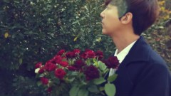 Flower Vase - Yang Hee Eun,Lee Juck