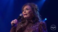 Fist City (Live At The Grand Ole Opry) - Loretta Lynn