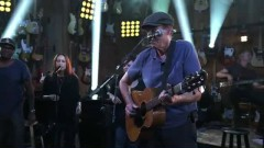 How Sweet It Is (To Be Loved By You) (Guitar Center Sessions) - James Taylor