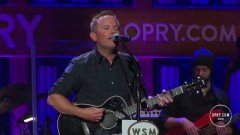Good Good Father (Live At The Grand Ole Opry) - Chris Tomlin