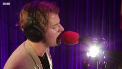 Mona Lisas & Mad Hatters (Radio 2's Piano Room) - Tom Odell