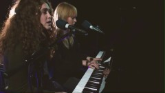 Merry Christmas Everyone (Radio 1's Piano Sessions) - Lucy Rose , Rae Morris