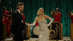 You Make It Feel Like Christmas - Gwen Stefani, Blake Shelton