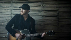 She Don't Love You - Eric Paslay