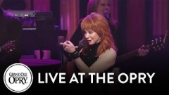 Going Out Like That (Live At The Grand Ole Opry) - Reba Mcentire