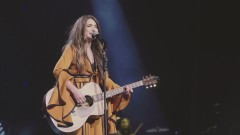 Somebody's Daughter (Live) - Tenille Townes