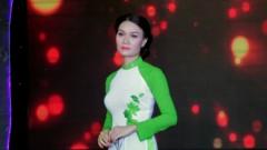 Chuyện Buồn Ngày Xuân - Trang Hương